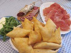 Crescentine fritte (fried fresh pasta), Emilia-Romagna