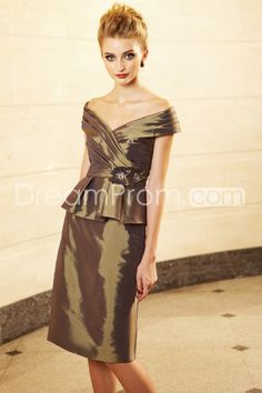 Fabulous Beading Ruched A-Line V-Neck Knee-length Mother of the Bride Dresses
