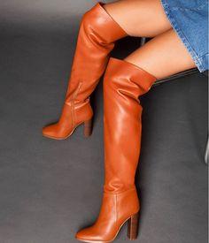 Sante μπότα over the knee ταμπά από συνθετικό δέρμα σε χρώμα ταμπά. Το πέλμα της είναι πολύ μαλακό και το τακούνι της είναι τετράγωνο, σταθερό ύψους 10 εκ. Οι μπότες αυτές φτάνουν πάνω από το γόνατο δίνοντας μοναδικό στιλ σε κάθε σας εμφάνιση.Διαθέτουν φερμουάρ εσωτερικά για πρακτικούς λόγους.Οι συγκεκριμένες μπότες αποτελούν ιδανική επιλογή για τα casual chic looks. Over The Knee Boots, Casual Chic, Fashion Outfits, Handbags, Heels, Clothes, Beautiful, Feminine Fashion, Women