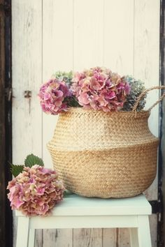 #Vintage flowers by Ana Rosa Found by Cherrie Hub