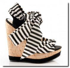Collection ShoeMint de Rachel Bilson chez StylistPick