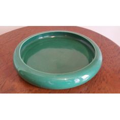 A Large Green Lucia Ware Bowl in the South African Porcelain category was listed for on 28 May at by Island Antiques in Durban African Pottery, Vintage Ceramic, Garden Pots, Ceramics, Green, Ceramica, Garden Planters, Pottery, Ceramic Art