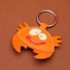 Un joli petit orange crab cuir animal porte-clé