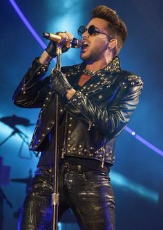 Queen and Adam Lambert kicked off their North American tour last night at Chicago's United Center to thousands of fans.