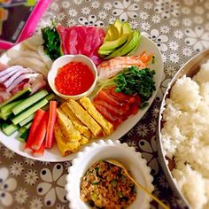 入学祝い♡ - 13件のもぐもぐ - 手巻き寿司♪ by arika123 Food Platters, Cobb Salad, Sushi, Lunch Box, Food And Drink, Cooking, Party, Recipes, Kitchen
