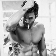 Micah Truitt #cigarrillo #micah #truitt http://www.pandabuzz.com/es/bombon-del-dia-hombre/retrato-micah-truitt-cigarrillo