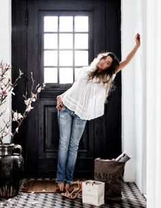saturday style - easy white blouse & jeans