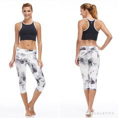 A chic look that's guaranteed to get you moving. Palm Springs outfit by Fabletics