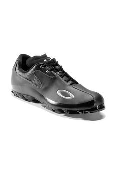 Black golf shoes #Oakley #golf