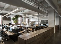 Inside FiftyThree's New York City Design Studio (Office Snapshots) Look Office, Cool Office Space, Open Office, Office Workspace, Office Decor, Office Spaces, Office Ideas, Design Studio Office, Office Space Design