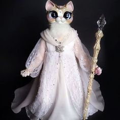 🌟🎀🌟Hello, World! hope you are having a great weekend 😸 I have finished my part of trade with @verirrtes_irrlicht 😊 This is Thandielle -  ooak kitty doll inspired by Lady Galadriel from Lord Of The Rings/ Hobbit movies 😄😊 She has light pastel peach fur, light purple eyes, charming look under her eyelashes 😊😊😊her dress made out of very light fabrics silk-alike milky satin with lace fabric layer on top and pastel powder colored chiffon  as additional layer and chest line decor 💖 I am…