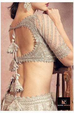 Indian Blouse Designs, Wedding Saree Blouse Designs, Stylish Blouse Design, Fancy Blouse Designs, Lehenga Blouse Designs Back, Lehenga Designs Latest, Choli Blouse Design, Sari Blouse, Blouse Designs Catalogue