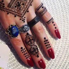 Berbère #artsofzaman #henné #henna #hennatattoo #mehndi #tatouage #tattoo…