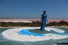 La vague d'Emma Shulman aux Salins de l'Île Saint Martin à Gruissan Dans le cadre de Meeting the Odyssey