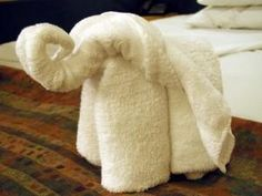 towel origami-- cute way to give a guest at your home their towels