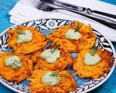 Galettes de courge butternut façon rösti : http://www.fourchette-et-bikini.fr/recettes/recettes-minceur/galettes-de-courge-butternut-facon-rosti.html