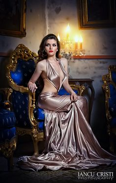 Young beautiful luxurious woman in long elegant dress. Seductive brunette woman in luxury manor, vintage style Satin Gown, Satin Skirt, Satin Dresses, Silk Dress, Sexy Dresses, Silk Evening Gown, Evening Dresses, Party Fashion, Beautiful Gowns