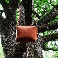 #hardgraft Box Camera Bag via ipasanen on Instagram Hard Graft, Box Camera, Camera Straps, Wool Felt, Hands, Bag, Classic, Leather, Accessories