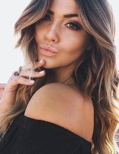 Balayage / highlighting for Summer? Summer Hairstyles, Pretty Hairstyles, Hair Inspo, Hair Inspiration, Beauty And Fashion, Hair Dos, Gorgeous Hair, Hair Trends, New Hair