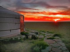 Mongolia - I want to travel from China to Mongolia and spend 2 weeks in Ulaanbaatar just looking at sunsets and sunrises