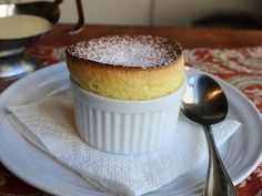 Food Wishes Video Recipes: Grand Marnier Soufflés – Rising to the Occasion on. Food Wishes Video-Rezepte: Grand Marnier Soufflés - Anlass zum Valentinstag Grand Marnier Souffle Recipe, Crepes, Just Desserts, Dessert Recipes, Vanilla Desserts, Classic Desserts, French Desserts, French Recipes, Gourmet