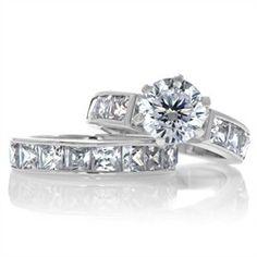 Zora's Round Cut CZ Wedding Ring Set