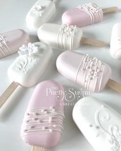 Paletas Chocolate, Chocolate Strawberries, Baking Business, Cake Business, Cakepops, Mini Cakes, Cupcake Cakes, Cake Pop Designs, Magnum Paleta