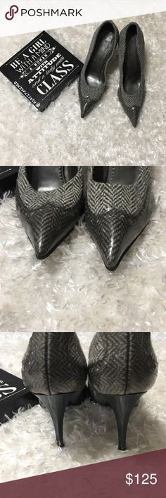 Stella McCartney Donegal tweed pumps size 38 Preloved. Some scuffs on the heels (pictured) size 38 euro. Grey tweed outter, heels are dark blue.  ⁉️Please feel free to ask any questions⁉️ 🆗Offers are welcome🆗 🙌🏼Bundle for a private offer🙌🏼 🚫 No trades 🚫 ❌No holds ❌ Stella McCartney Shoes Heels