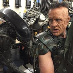 District 9 director, Neill Blomkamp, makes public his concept images, thoughts and progress on an Alien film unknown to FOX – Gabriel Lorden Neill Blomkamp, Aliens Movie, Upcoming Films, Master Chief, Gabriel, Behind The Scenes, Concept Art, Bring It On, Comic Books