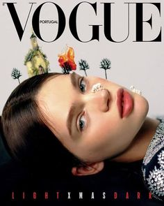 Find tips and tricks, amazing ideas for Chanel resort. Discover and try out new things about Chanel resort site Vogue Magazine Covers, Fashion Magazine Cover, Fashion Cover, Vogue Vintage, Vintage Vogue Covers, Chanel Resort, Zac Posen, Mode Logos, Stella Lucia