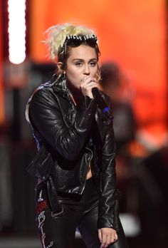 Miley Cyrus duet with Billy Idol at the 2016 iHeartRadio Music Festival