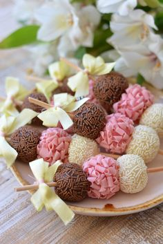 39 ideas cake pops birthday party sweets for 2019 Snacks, Cake Pops, Cupcake Cakes, Mini Cakes, Cake Cookies, Cake Decorating, Decorating Ideas, Birthday Parties, Cake Birthday