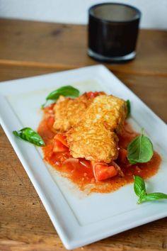 Zucchini im Käse-Backteig mit kalter Tomatensauce