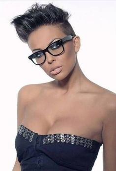 i like her hair and glasses