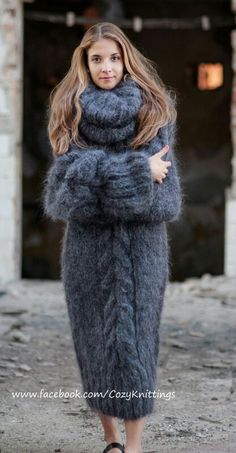 !!!o.m.g.!!! *eyes wide open,jaw dropped*I'm moving to greenland just so i can wear this every day!!! *sigh*  i'm pinning this on my 'i have a lot of style board' ,and my 'exquisitness' board too! <3