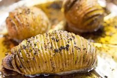 Black Pepper Hasselback Potatoes Oven Baked Steak, Hasselback Potatoes, Roasting Tins, Potato Dishes, 2 Ingredients, Skewers, Baked Potato, Tasty, Stuffed Peppers