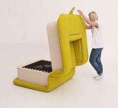 Une idée originale de mobilier modulable qui tantôt est un fauteuil, tantôt un lit, créé par la designer Elena Sidorova. Coup de cœur! Flop, fauteuil et l