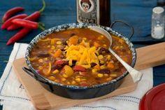 Így készül a tökéletes chili con carne, a mexikóiak chilis babja Polenta, Cheddar, Bab, Soup, Chilis, Chili Con Carne, Red Peppers, Cheddar Cheese, Chili