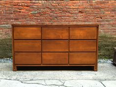 Conant Ball Modern 9 Drawer Dresser: click to enlarge