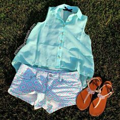 Love how all the colors go soo well together. Definelly something I would wear!:)