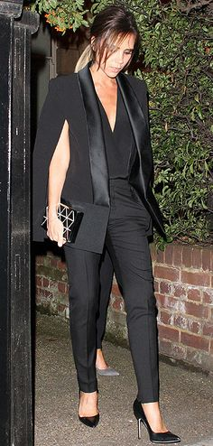 Victoria Beckham Fashion Idol, Office Fashion, Victoria Beckham Stil, Victoria Fashion, Business Outfit, Dress For Success, Costume, Suits For Women, Smoking