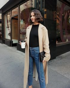 How to Rock the Mom Jean Trend | The Everygirl