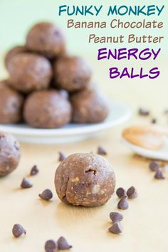 Funky Monkey Banana Chocolate Peanut Butter Energy Balls - your favorite sweet treat flavors in a fast and easy healthy snack.   cupcakesandkalechips.com   gluten free, vegan recipe