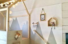 リビングにキッズスペースを!こどもが喜ぶ秘密基地をDIY | Chocori's DIY Kidsroom, Loft, Furniture, Home Decor, Home Office, Offices, Bedroom Kids, Decoration Home, Room Decor