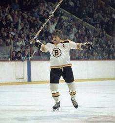 Bobby Orr, Boston Bruins Hockey, Hockey Cards, Sports Photos, Nhl, Legends, England, Game, Stars