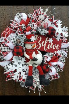 Sharing a Christmas wreath created by Tina's Deco Mesh Wreaths. It's available for purchase in her Etsy shop. Trendy Tree- Work Forms - Mesh - Ribbon - Seasonal Decor Treatment Projects Care Design home decor Christmas Wreaths To Make, Christmas Door, Holiday Wreaths, Christmas Crafts, Christmas Ornaments, Winter Wreaths, Spring Wreaths, Father Christmas, Christmas Music