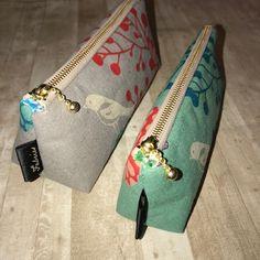 メガネケースの作り方 ※スリムペンケースも縫い方は同じです | fabricsの毎日 Chicken Crafts, Pouch, Wallet, Diy Hairstyles, Diy And Crafts, Initials, Recycling, Coin Purse, Handbags