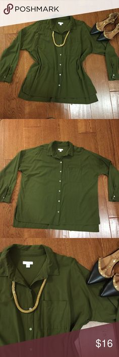 JJill olive green boxy button down. Rayon fabric with shell buttons. Boxy fit. Gently used. Collar and cuffs are puckered (last photo). Generous medium. Fits more like Large. J. Jill Tops Button Down Shirts