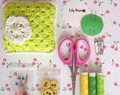 Principianti Kit da cucito, regalo verde, giallo regalo, regalo per cucire, fai da te regalo, regalo per mamma, regalo per la figlia, regalo per la sorella, dono di Teen