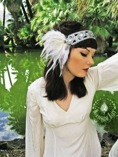 Flapper style headband: faux diamonds and feathers